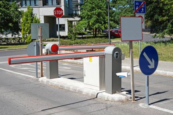 Inteligentne rozwiazania wjazd na parking osiedlowy